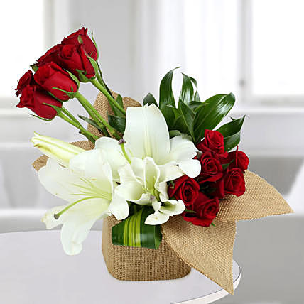 Delightful Flowers Red Rose Arrangement